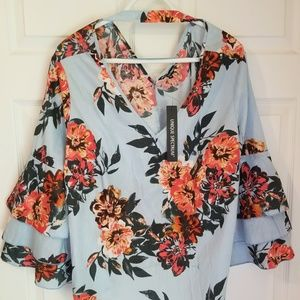 Unique Spectrum Top NWT 2X Blue Floral 3/4 Bell Sl